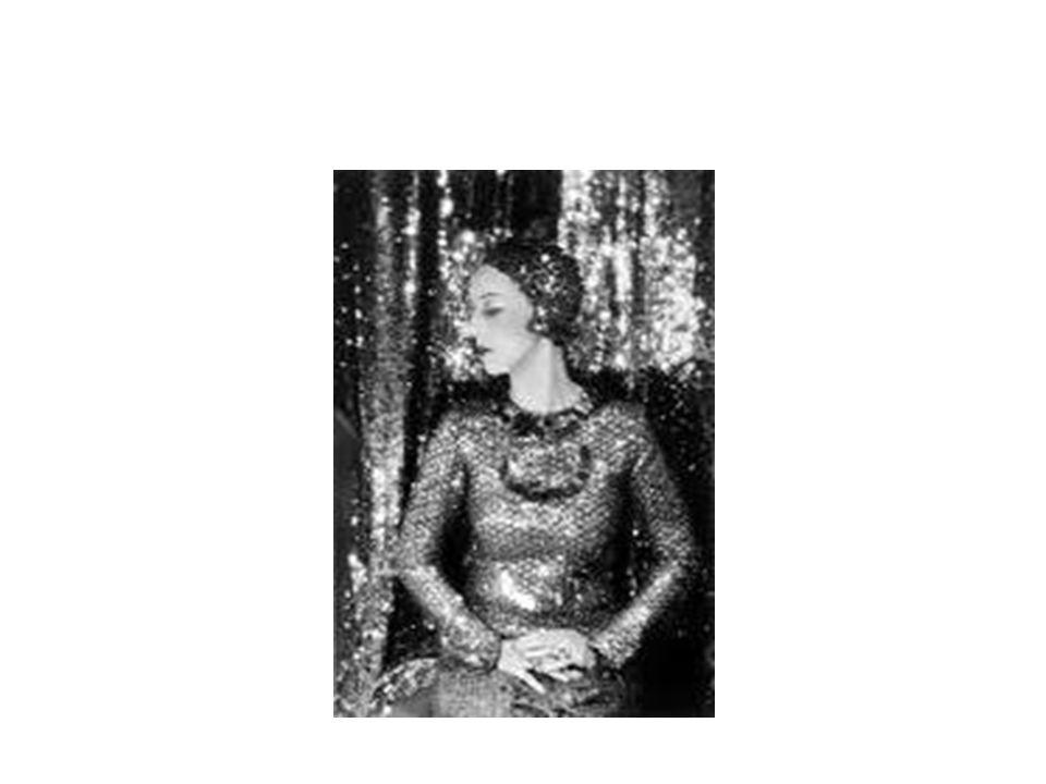 Bill Brandt BILL BRANDT Bill Brandt (3 de mayo de 1904 - 20 de diciembre de 1983) fue un fotógrafo británico conocido por sus imágenes en blanco y negro sobre contrastes sociales en la sociedad británica y sus fotos distorsionadas de desnudos y paisajes.