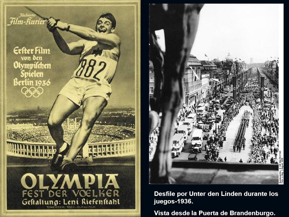 Esta olimpiada marcó la ceremonia que perduraría: fue la primera vez que había un viaje de relevos para traer el fuego olímpico al sitio de los juegos