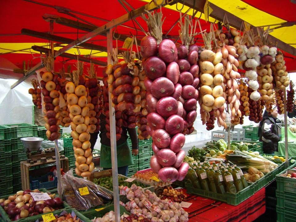 El Mercado de la cebolla en Berna es una de las ferias otoñales más populares en Suiza.