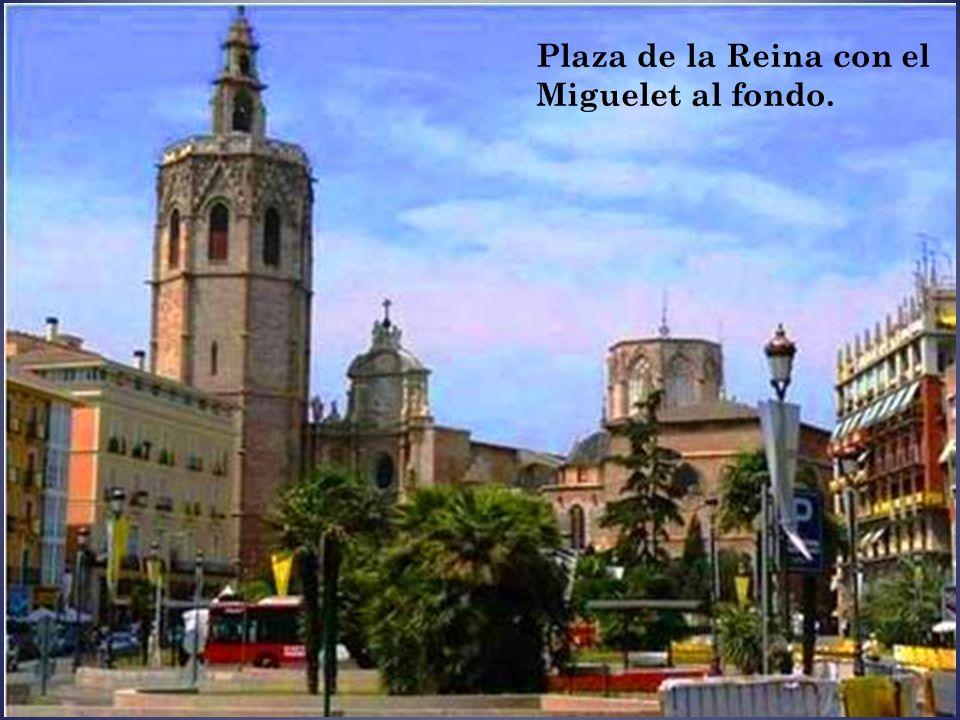Torre de la Iglesia de Santa Catalina Esta iglesia es la más antigua de Valencia y tiene fama de milagrosa. Data de la época de la Reconquista. La tor