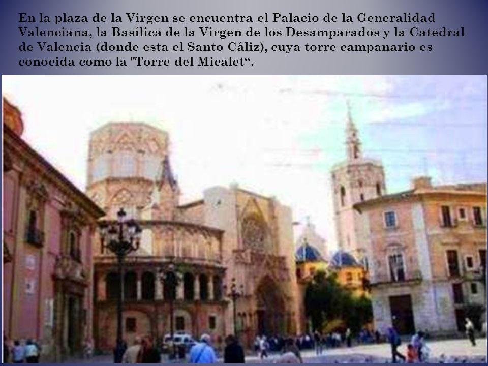 Catedral (Puerta de los Apóstoles)