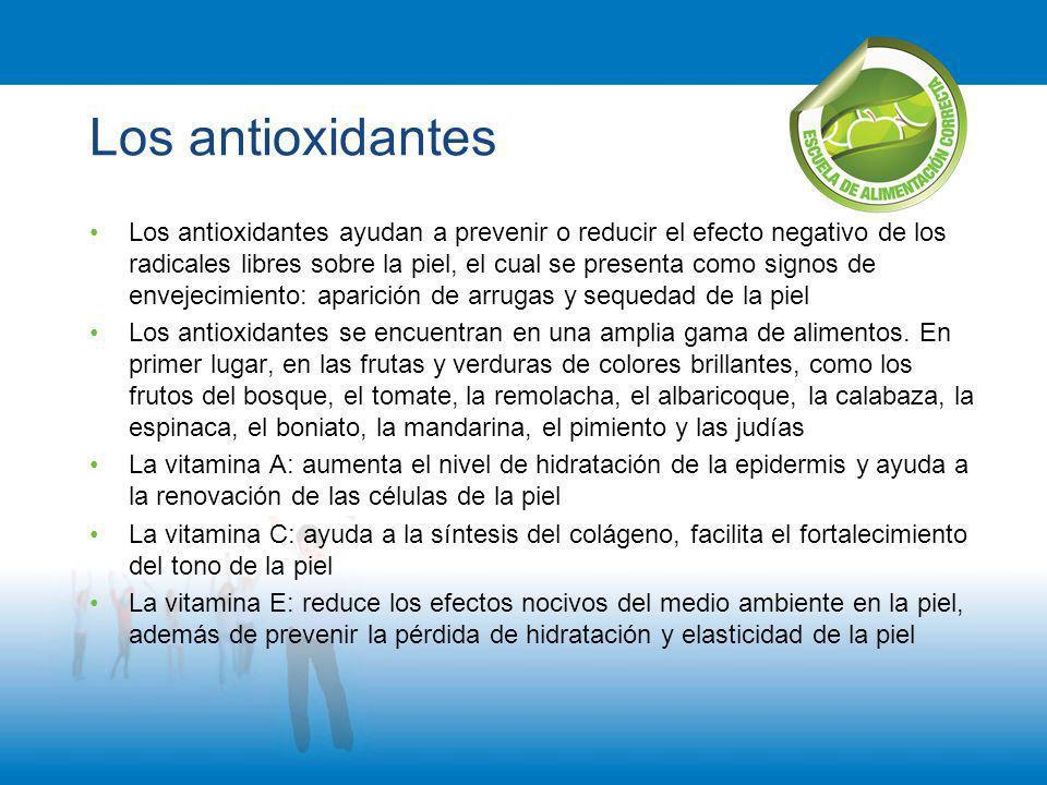 Los antioxidantes Los antioxidantes ayudan a prevenir o reducir el efecto negativo de los radicales libres sobre la piel, el cual se presenta como sig