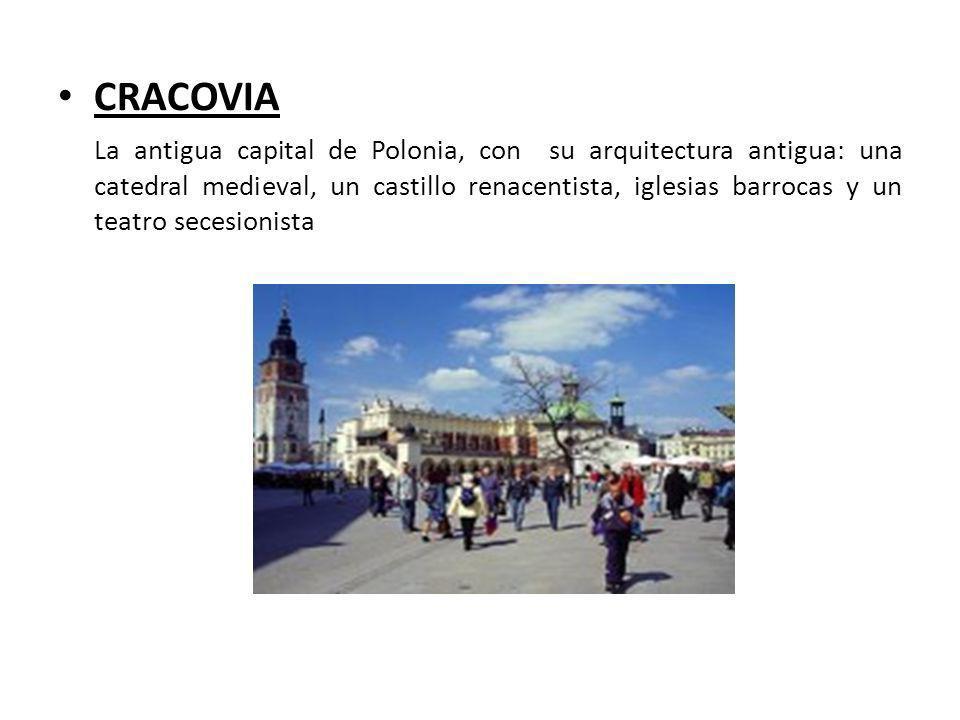 CRACOVIA La antigua capital de Polonia, con su arquitectura antigua: una catedral medieval, un castillo renacentista, iglesias barrocas y un teatro se
