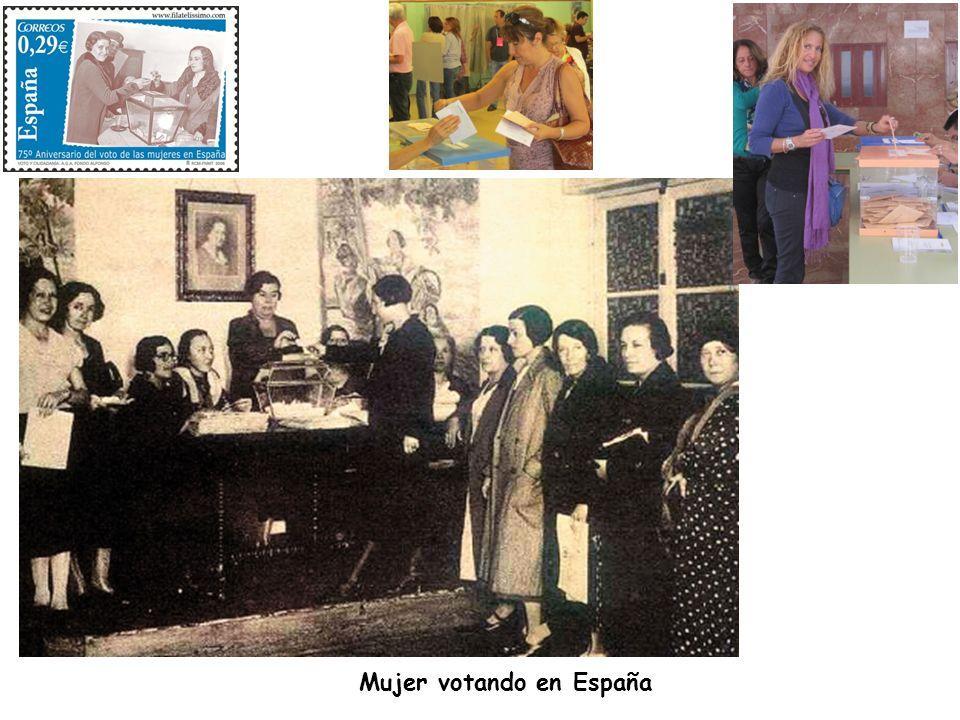 Mujer votando en España
