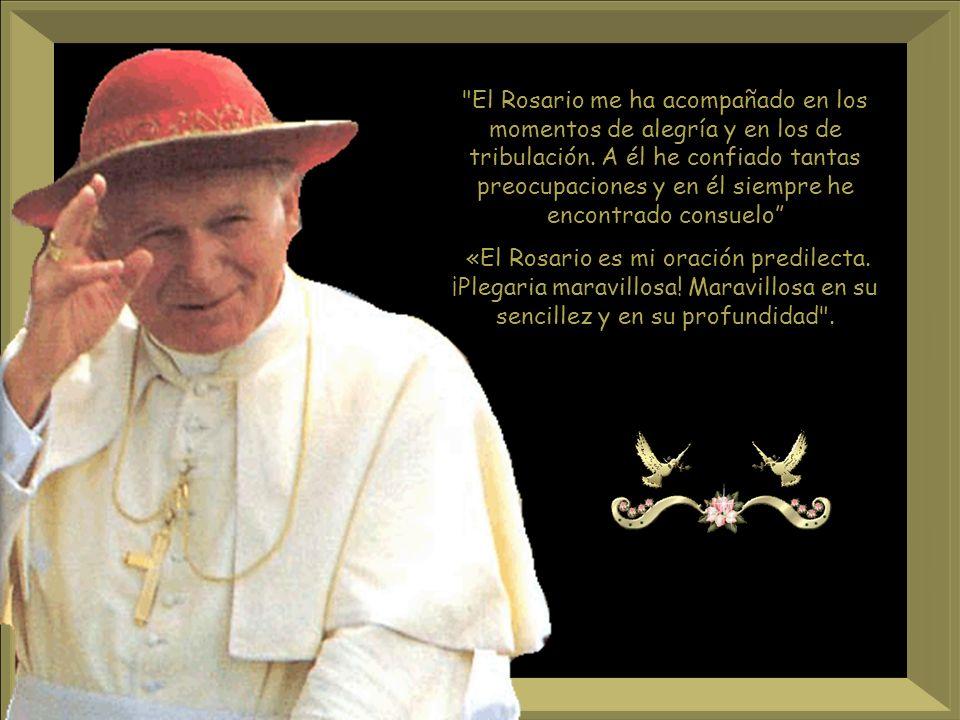Mediante el Rosario, el creyente obtiene abundantes gracias, como recibiéndolas de las mismas manos de la Madre del Redentor