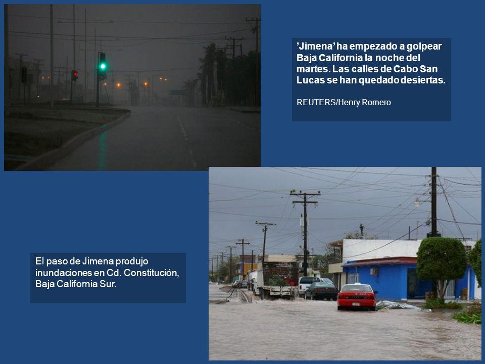 Jimena ha empezado a golpear Baja California la noche del martes. Las calles de Cabo San Lucas se han quedado desiertas. REUTERS/Henry Romero El paso
