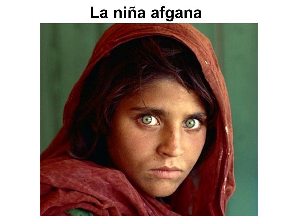Sharbat Gula fue fotografiada cuando tenía 12 años por el fotógrafo Steve McCurry, en junio de 1984.