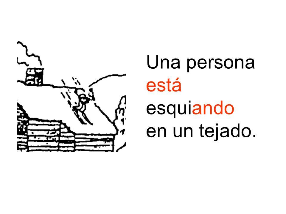 Una persona está esquiando en un tejado.