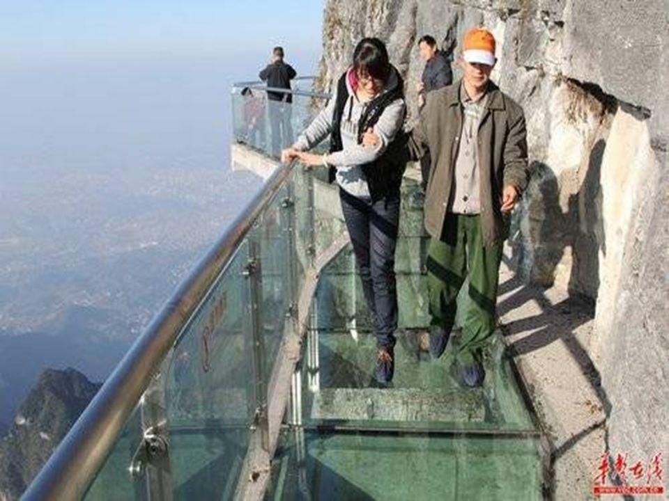 Con los famosos American Grand Canyon corredor de vidrio el cielo de su rival