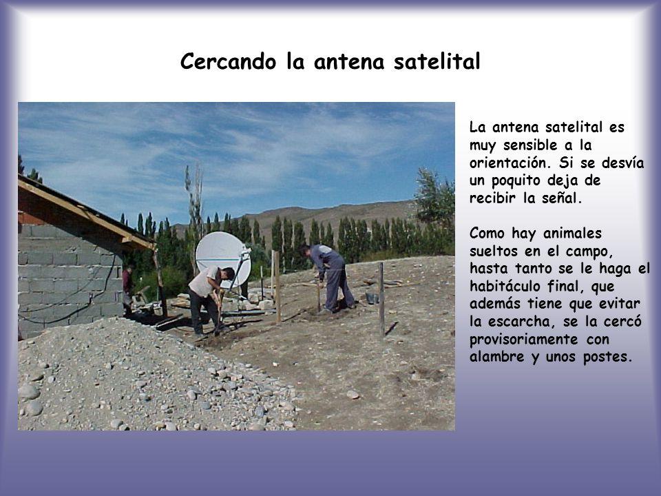 Cercando la antena satelital La antena satelital es muy sensible a la orientación.