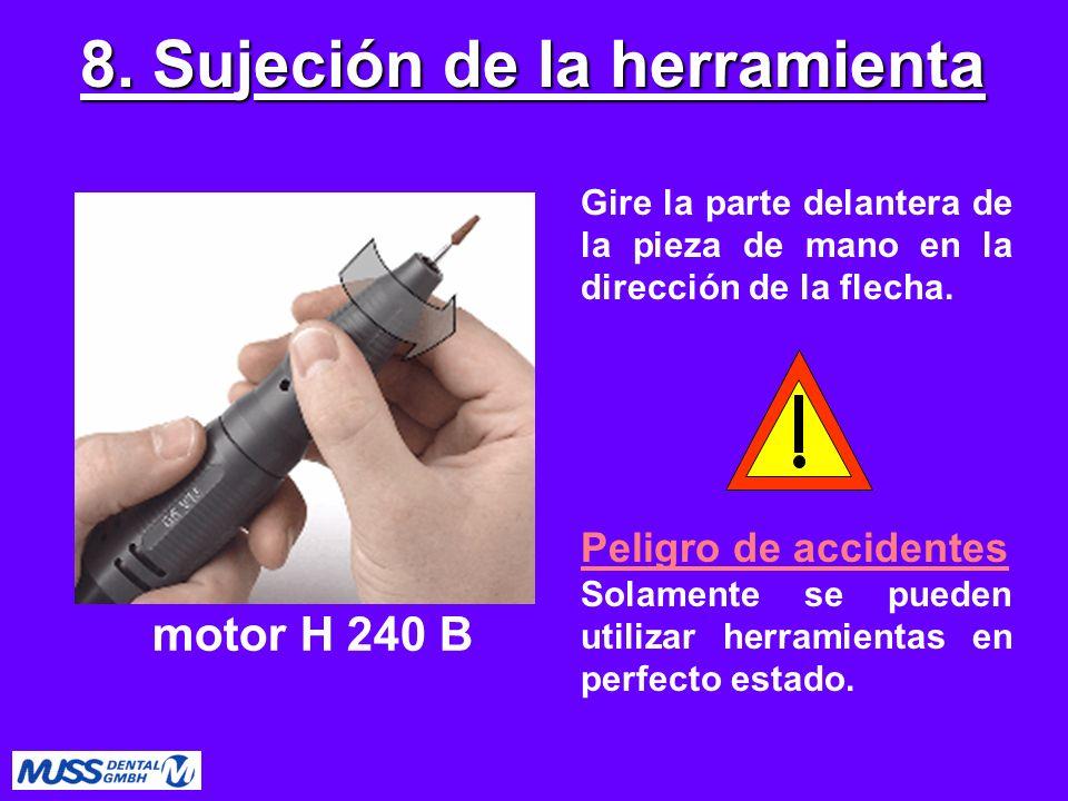 Gire la parte delantera de la pieza de mano en la dirección de la flecha. Peligro de accidentes Solamente se pueden utilizar herramientas en perfecto