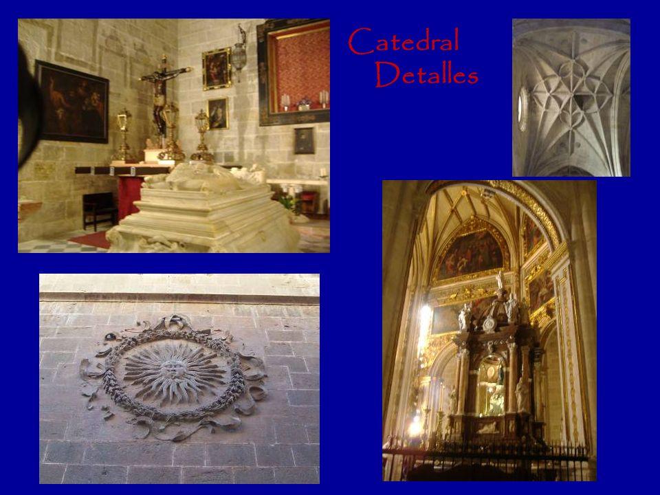 Plaza de la Catedral. Palacio Episcopal y Hotel con encanto