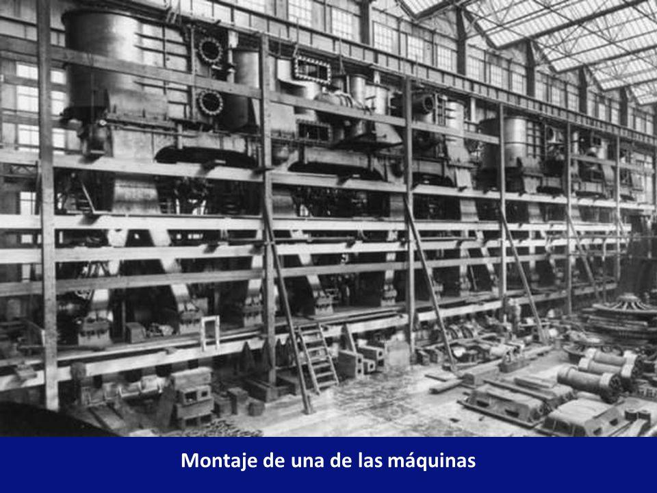 En la planta de propulsión del Titanic, el vapor de escape de las máquinas alternativas se expandía mediante una turbina de baja presión que impulsaba la hélice central.