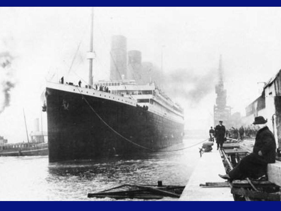 Recordemos que cuando avistaron el iceberg, lo hicieron a unos 450 metros por la proa cuando el barco navega aproximadamente a 21 nudos, siendo por ello materialmente imposible que lo hubieran podido detener antes de la colisión.