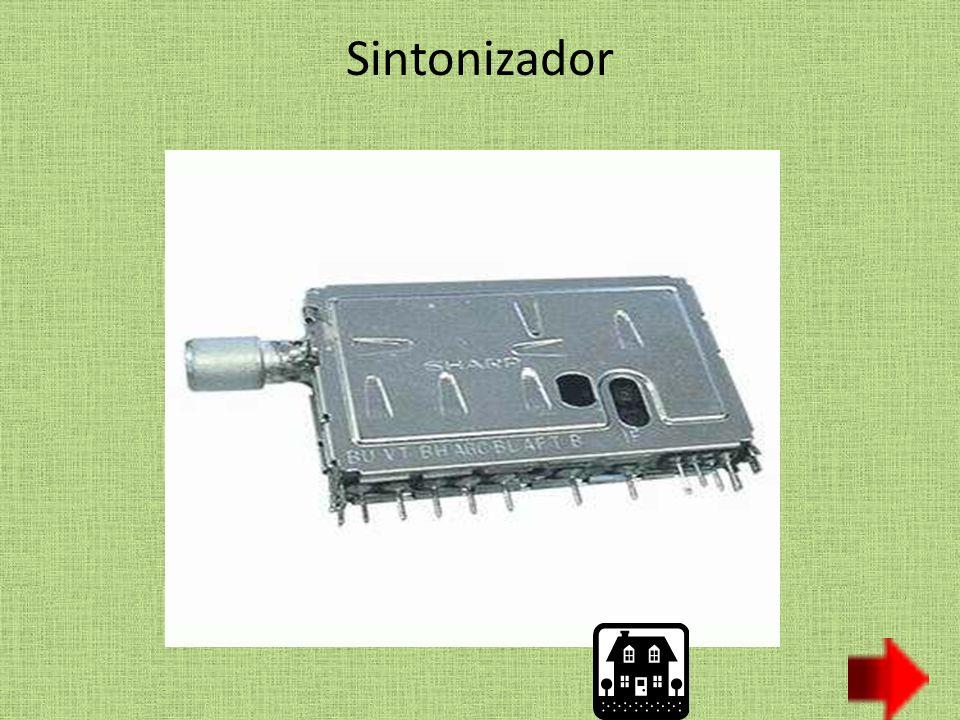 El monitor es el encargado de traducir a imágenes las señales que provienen de la tarjeta gráfica.