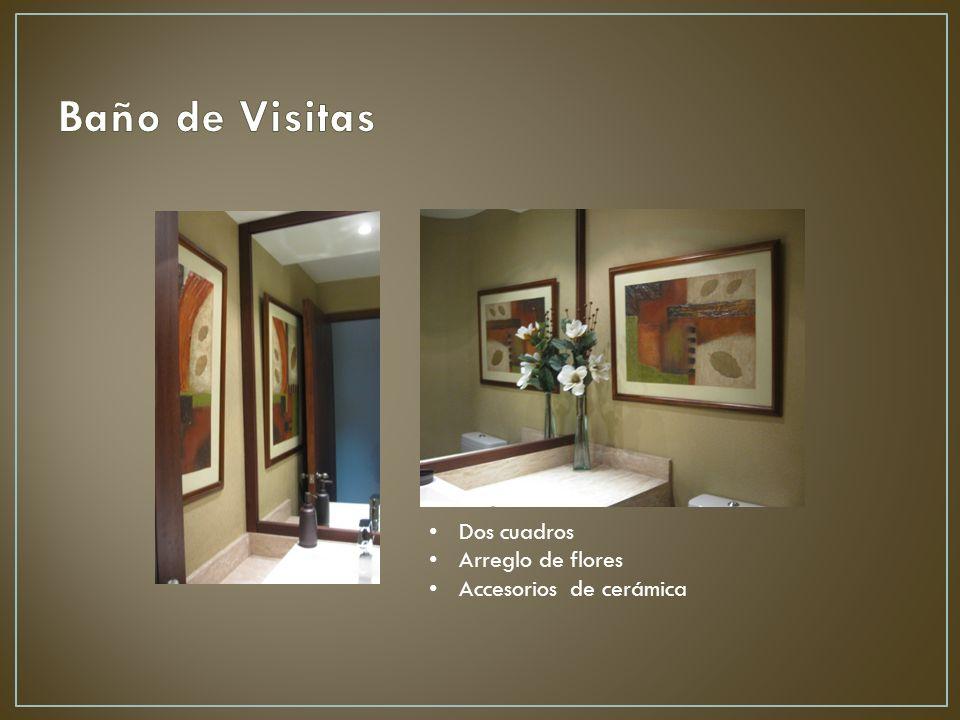 Dos cuadros Arreglo de flores Accesorios de cerámica