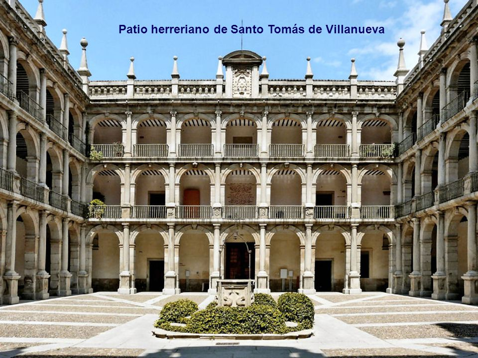 Fachada plateresca del s.XVI Colegio Mayor de San Ildefonso, fundado en 1499 por el Cardenal Cisneros y que dio origen a la Universidad