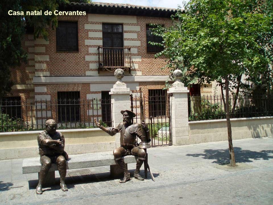 Casa de Cervantes La Casa de Cervantes, en la esquina de la Calle Mayor con la Calle Imagen de Alcalá de Henares, se considera que señala el lugar de
