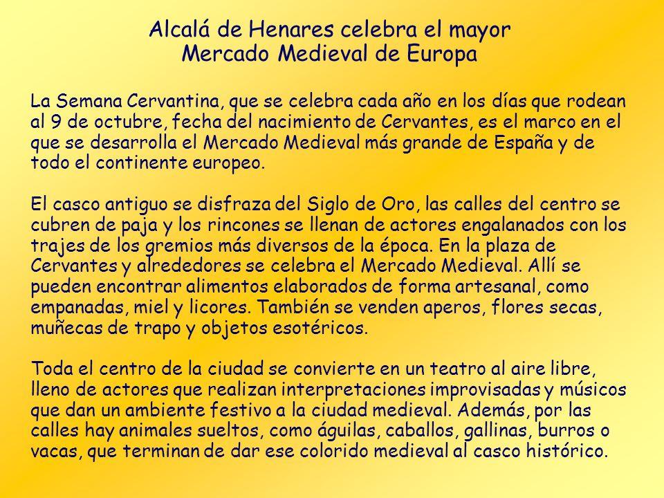 Placa conmemorativa Patio y balconada Casa natal de Cervantes