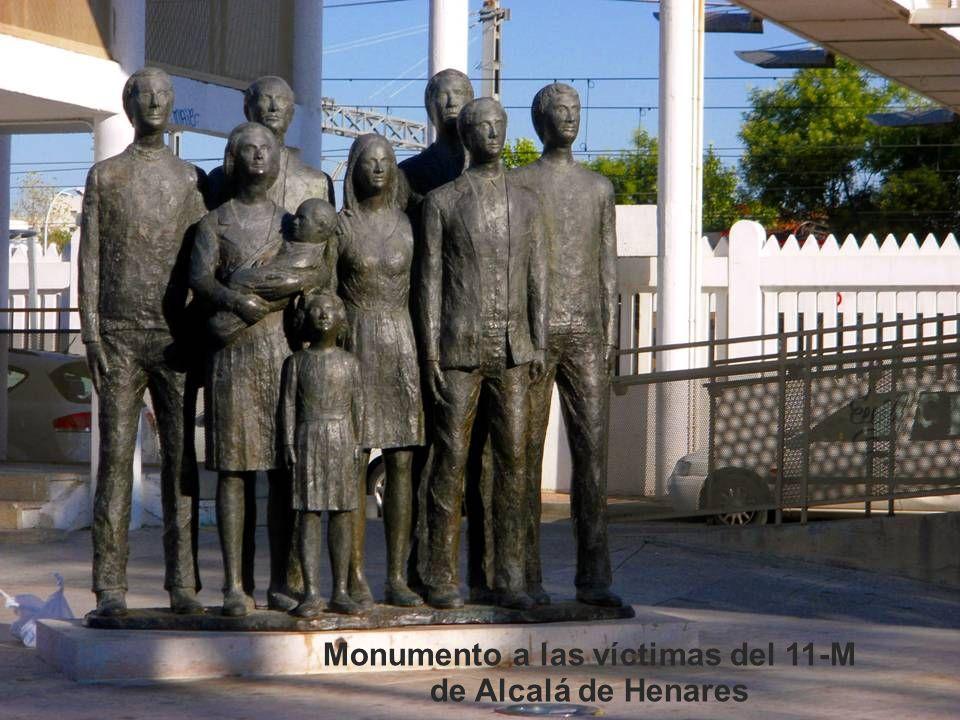 Monumento a Manuel Azaña Monumento a Catalina de Aragón
