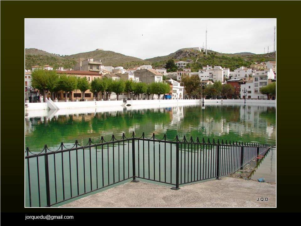 jorquedu@gmail.com Este pueblo es muy conocido por su famosa Charca en el centro de la localidad