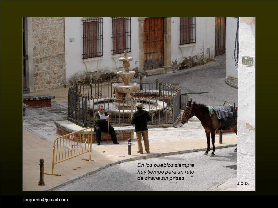 jorquedu@gmail.com …el arco medieval de la Encarnación …o la Iglesia parroquial de la Santa Cruz