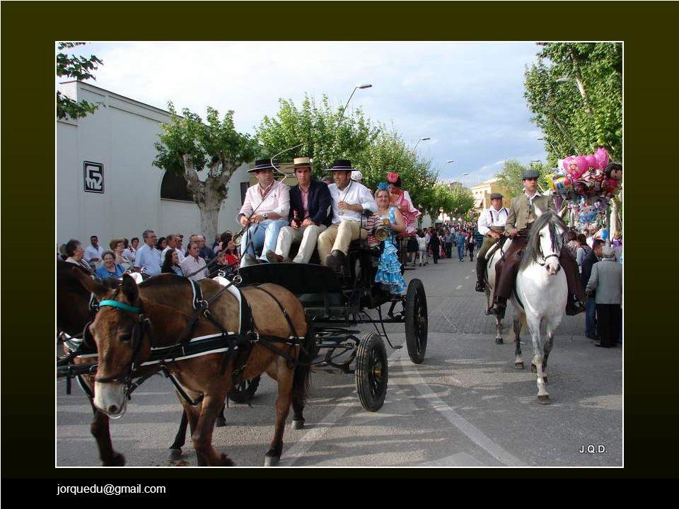 jorquedu@gmail.com También los caballos y carrozas llevan el mismo camino.