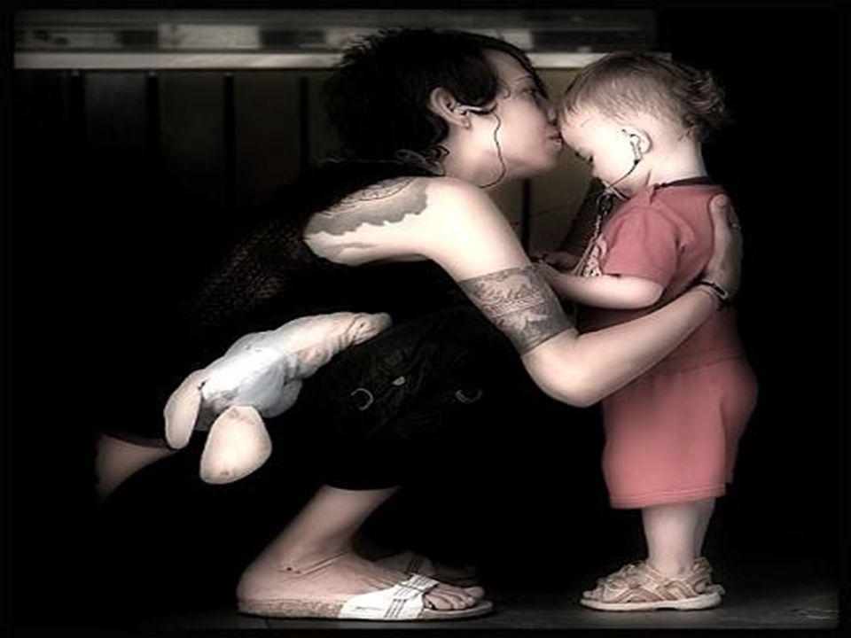 El más bello instante del amor, el único que verdaderamente nos embriaga, es su preludio: el beso