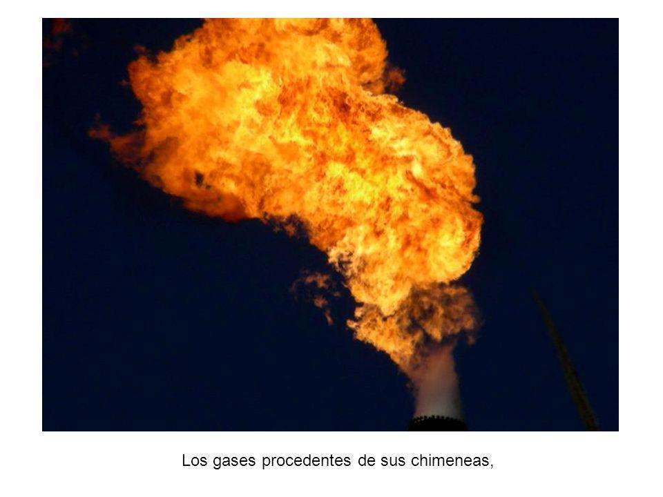 La fuente industrial vuelca diariamente a la atmósfera toneladas de partículas y gases contaminantes.
