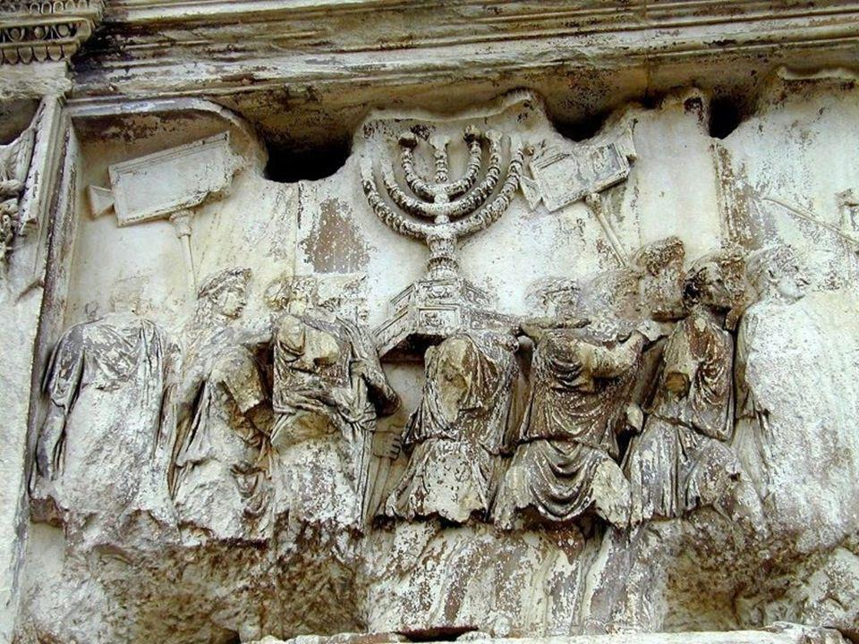 Marcos, llegó una banda con espadas y palos , que se abalanzaron sobre él y lo arrestaron (Mc 34,43.46).