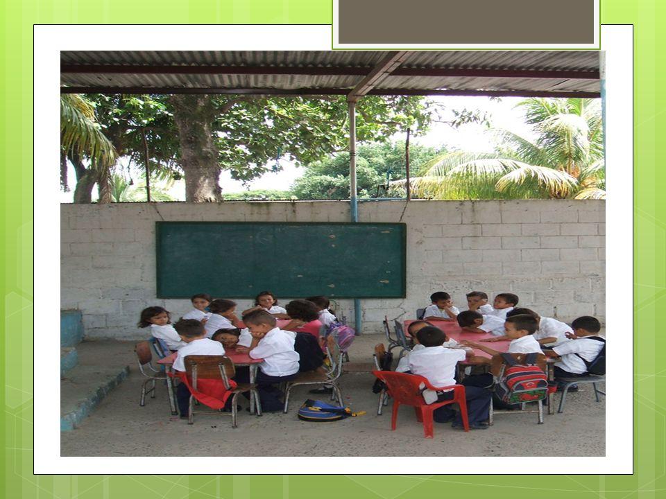 Tegucigalpa - El ministro de Educación, Marlon Escoto, reveló este martes que interpondrá un recurso ante los tribunales de justicia contra el dirigente magisterial Óscar Recarte por incitar al incumplimiento de los 200 días de clases, lo que perjudica los derechos de los niños y jóvenes.