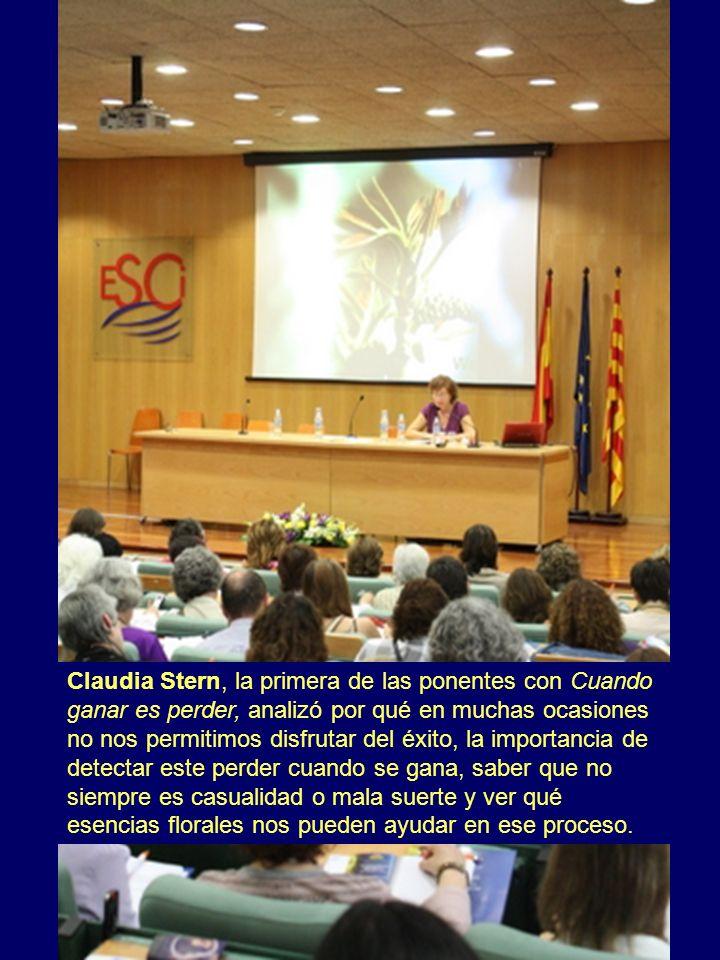 Claudia Stern, la primera de las ponentes con Cuando ganar es perder, analizó por qué en muchas ocasiones no nos permitimos disfrutar del éxito, la im