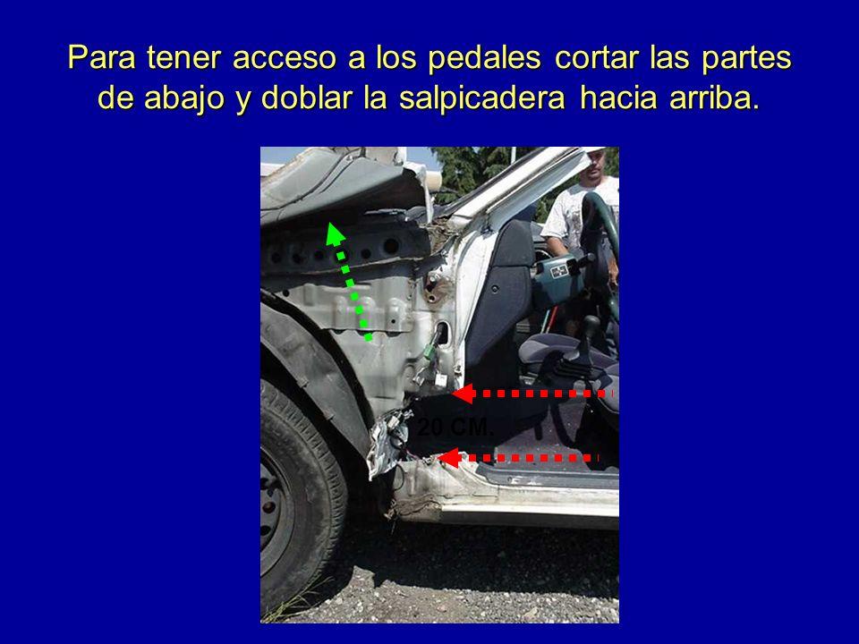 Para tener acceso a los pedales cortar las partes de abajo y doblar la salpicadera hacia arriba.