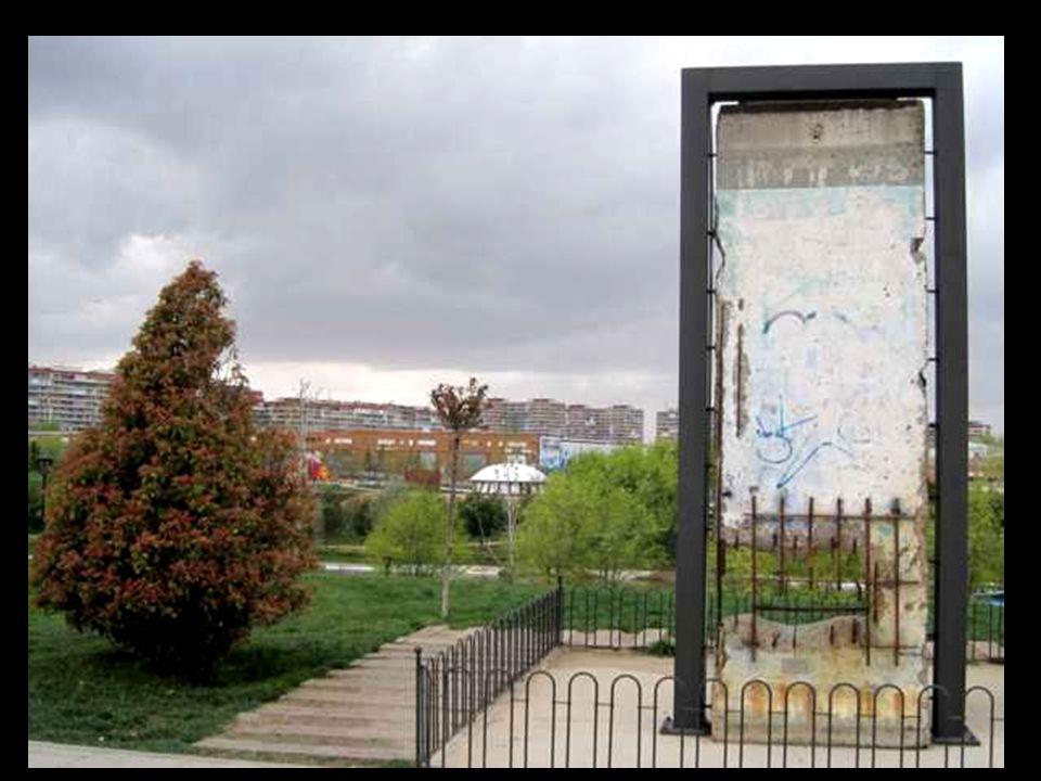 Puerta de Brandenburgo de Berlín, La escala a la que se va a reproducir es nada menos que la mitad del tamaño original.