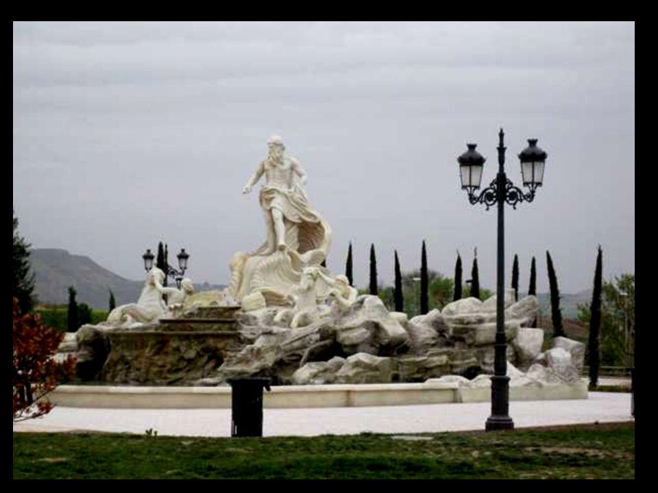 La Fontana de Trevi es la mayor y más ambiciosa de las fuentes barrocas de Roma