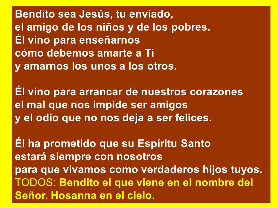 Santo, santo, santo Santo es el señor Llenos están, llenos están, cielos y tierra de las huellas de su amor. Llenos están, Llenos están los montes y l