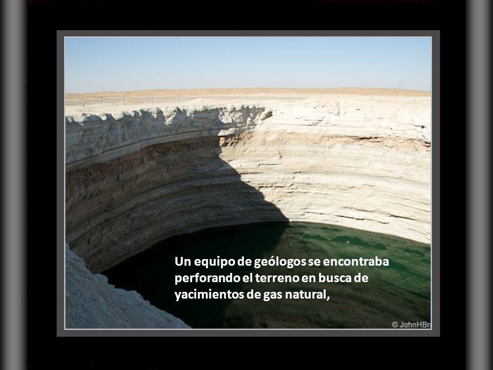 El pozo de Darvaza no es obra de la Naturaleza, sino que se trata del inesperado resultado de una prospección minera soviética llevada a cabo en la dé
