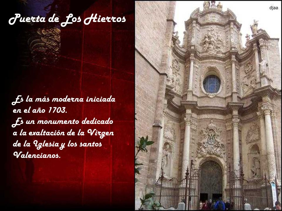 Vista de la Catedral de Valencia desde el Miguelete, que proyecta sombra. Se aprecia la planta de cruz latina, con cimborrio en el crucero