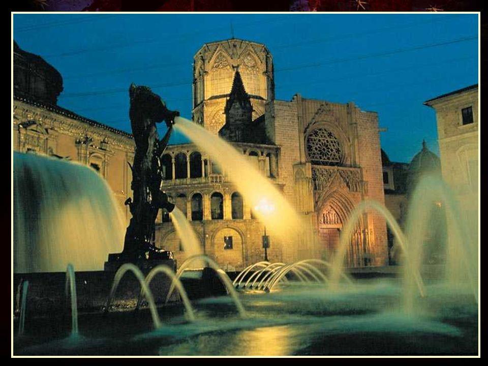 Pasadizo que une la Catedral con La Basílica de los Desamparados
