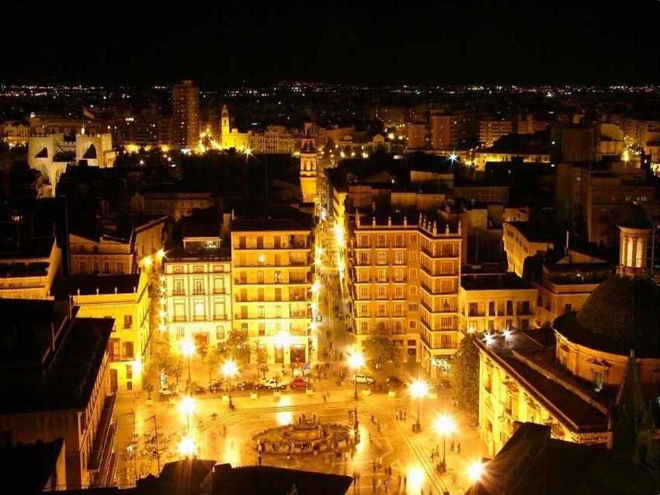 El Miguelete Es el campanario de la Catedral de Valencia.