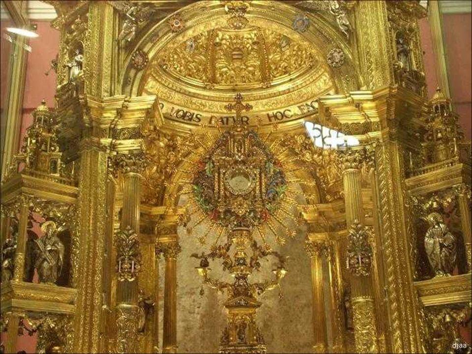 La Custodia de la ciudad, llamada de los pobres, por haber sido financiada en su totalidad por los fieles y devotos.