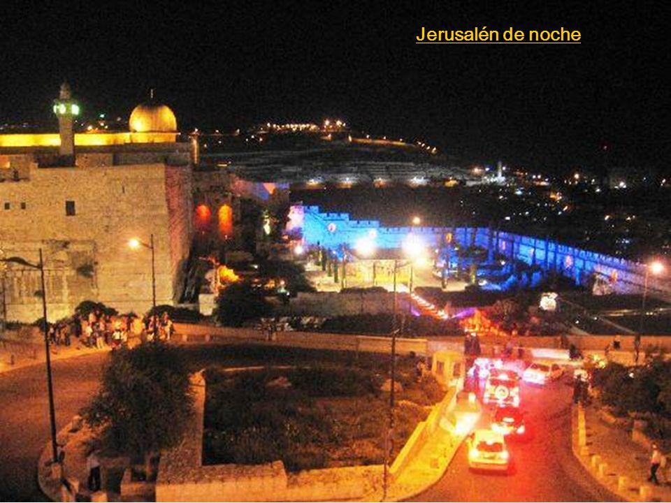Jerusalén es una de las ciudades más antiguas del mundo, habitada por los jebuseos antes de la llegada de las tribus hebreas a Canaán a principios del siglo XIII a.C.