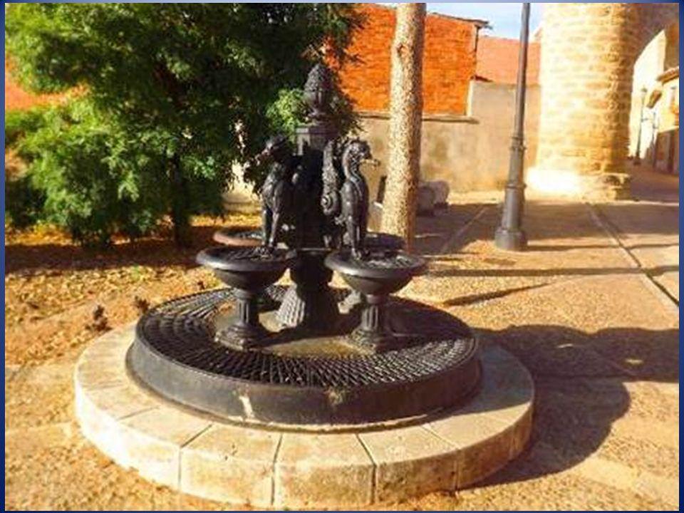 Becerril de Campos es una localidad y municipio en la comarca de Tierra de Campos de la Provincia de Palencia, Está declarada Conjunto Histórico-Artís