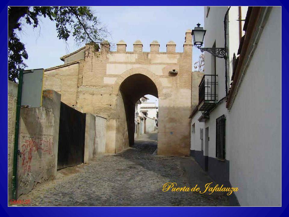Puerta de Santa Isabel la RealCarmen