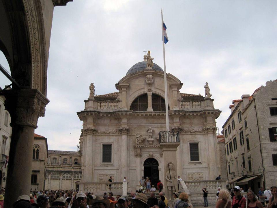 San Blas Se trata de una iglesia barroca que se construyó a principios del siglo XVIII.