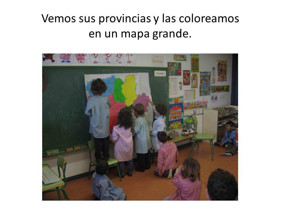 Vemos sus provincias y las coloreamos en un mapa grande.