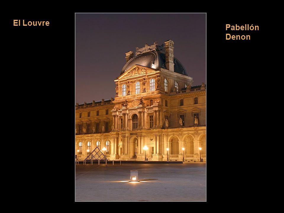 La fachada de Notre Dame es como un libro de historia santa – y tambien política – que instruye a los fieles a través de personajes, de escenas y de o