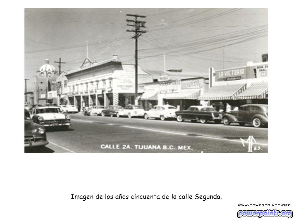 Imagen de los años cincuenta de la calle Segunda.
