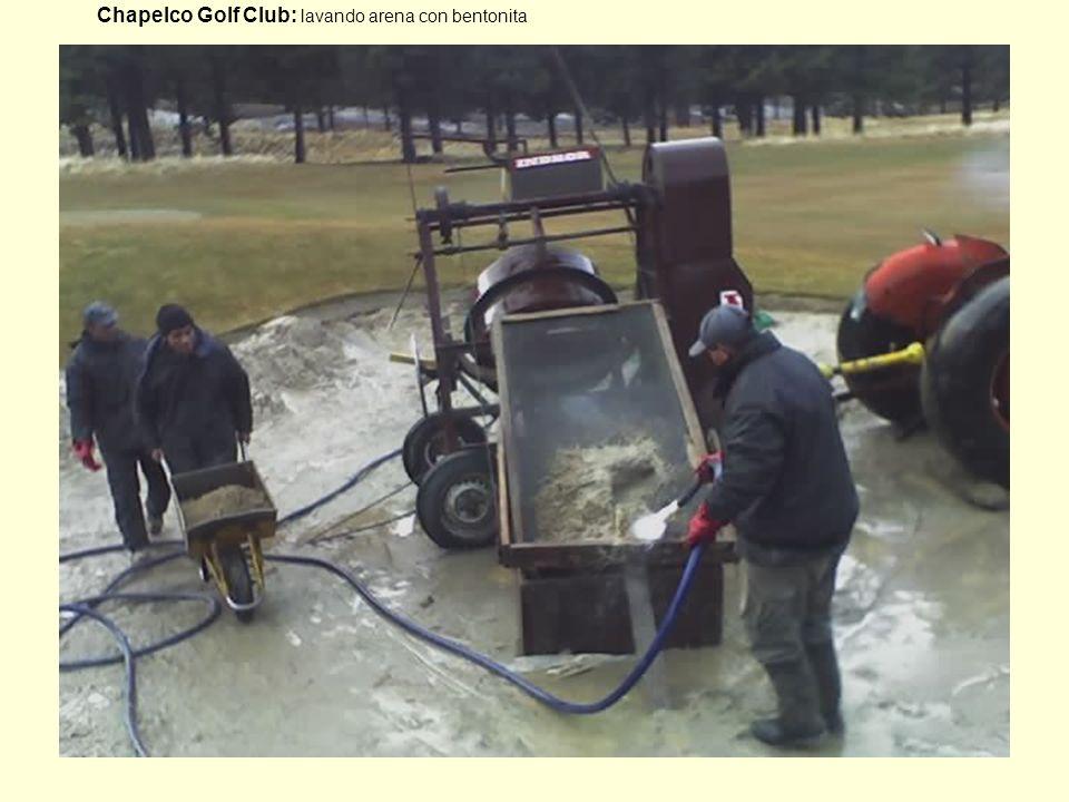 16 Chapelco Golf Club: lavando arena con bentonita