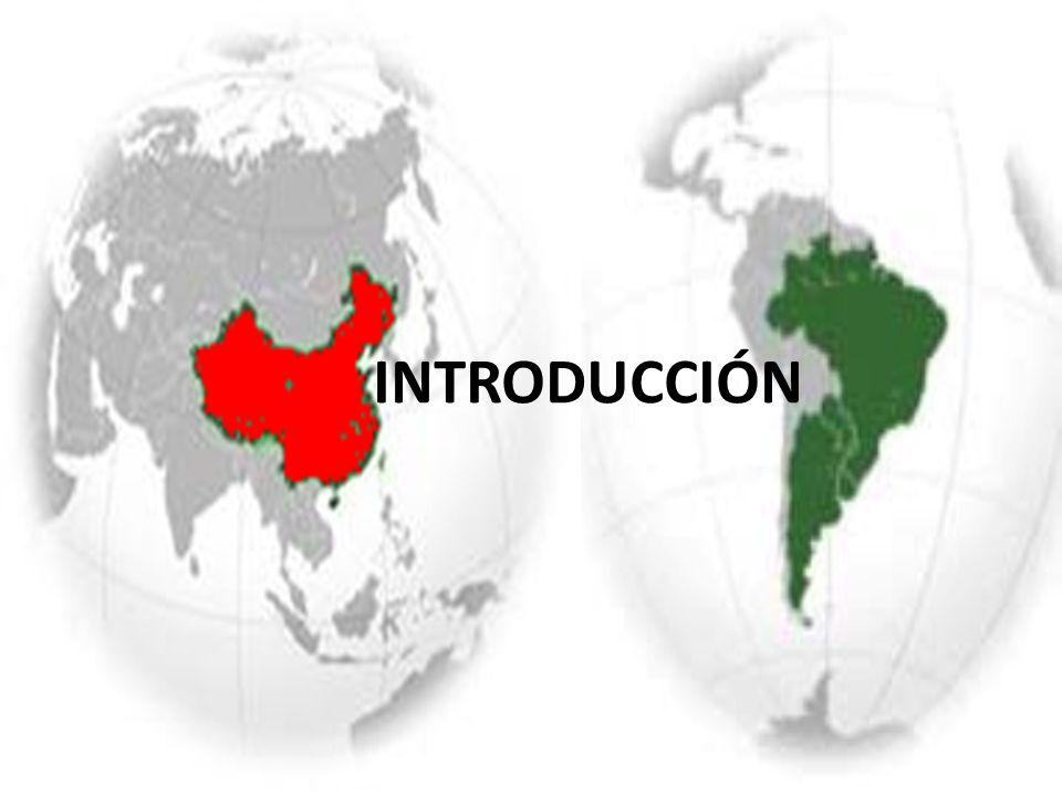 ARGENTINA -Población (40 millones hab): 32 del ranking mundial -Superficie (2.780.400 km 2 ): 8º puesto mundial, equivalente a menos de un tercio (29%) del territorio de Ch -Densidad: 14 hab/ km 2 -PIB (PPA): 22 del ranking mundial CHINA -Población: 1º puesto mundial -Superficie (9.327.420 km²): 4º puesto mundial -Densidad:136 hab/ km 2 (unas 10 veces mayor a la densidad argentina) -PIB (PPA): 2º puesto mundial